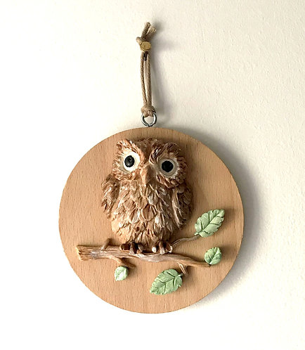 Large Owl Wall Hanging - Med Beech Round