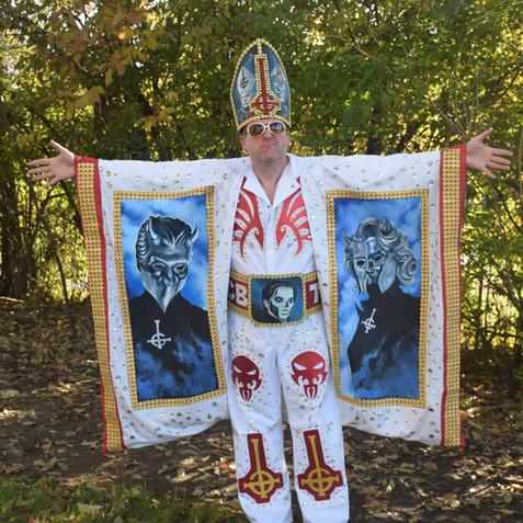 Elvis Emeritus costume