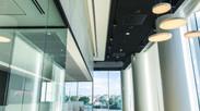 עבודות גמר באולם התצוגה החדש של מאזדה פורד ו- במוו בתל אביב.