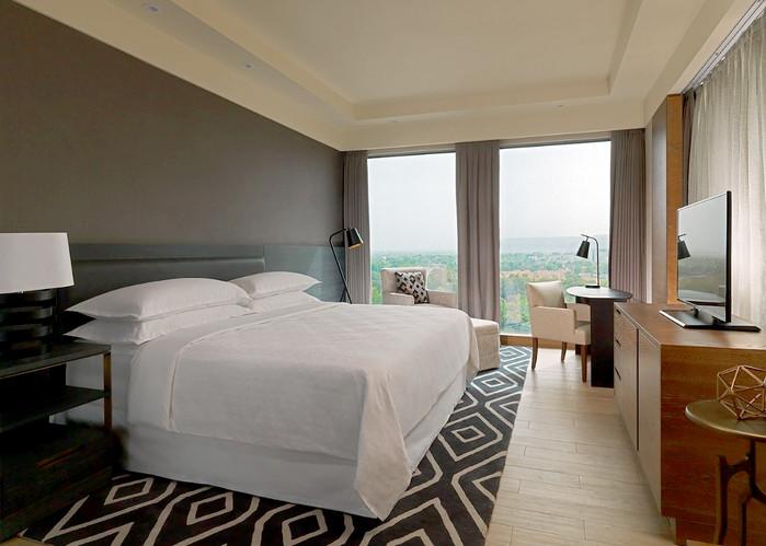 Guestroom 2.jpg