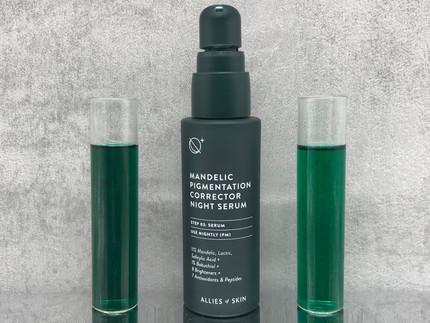 Was für ein krasser Powerwirkstoffmix: Allies of Skin - Mandelic Pigmentation Corrector Night Serum