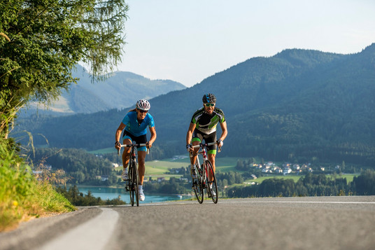 Rennradfahren mit Fuschlseeblick (c)Salz