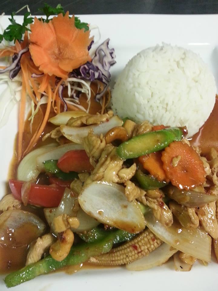 P2. Pad Med-Ma-Muang (Chicken)