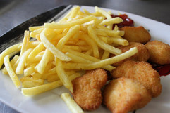 Chicken Nuggets & Pommes Frites.jpg