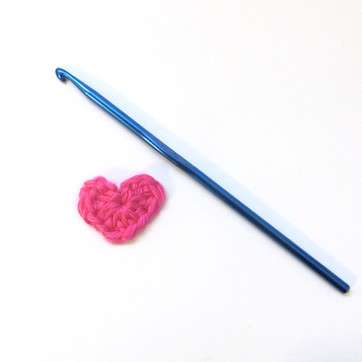 How to Crochet Tiny Heart Applique