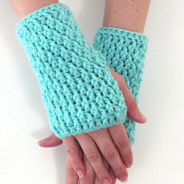 Textured Fingerless Gloves - Free Crochet Pattern