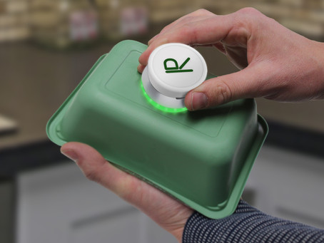 This gadget scans your trash to tell you if it's recyclable