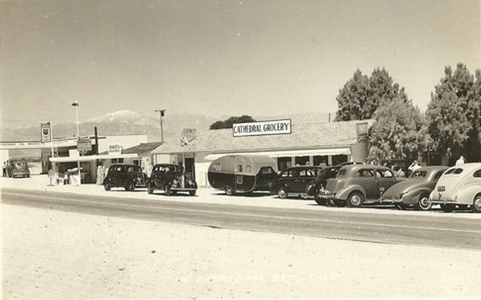 Tiny Henry's Cafe & Cobb Grocery along Hwy 111 in 1940s Cathedral City with Tear Drop Trailer
