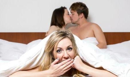 Ménage: como funciona a experiência do sexo à três