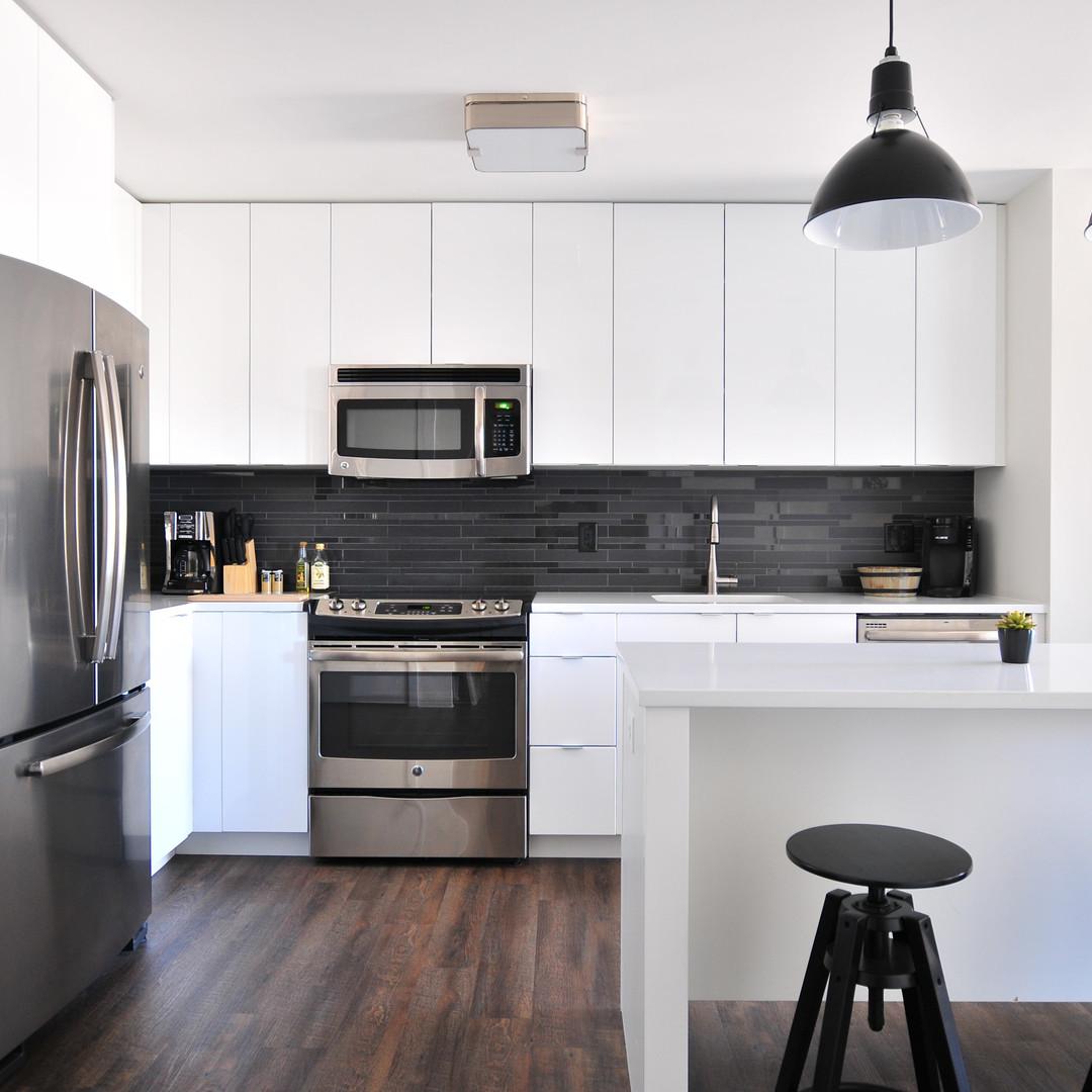L-Shaped Modular Kitchen Frosty White