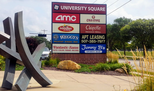 Multi tenant monument sign