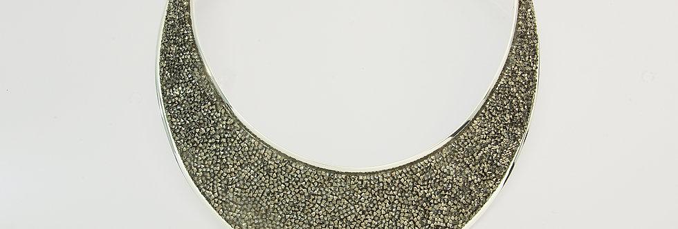 MPGAPIE5-623 Collar metal plateado con ematite