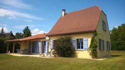 Traditioneel huis met garage
