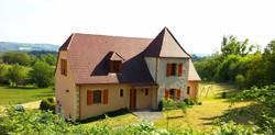 Traditioneel huis met toren