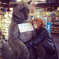 Free Hugs! 😍 #robertacartisano #california #abbracci #hugs pic by @demianendian