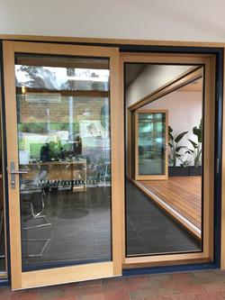 Single Center Hinge Door