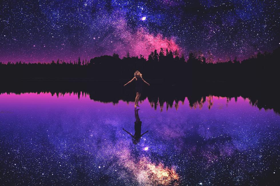 happy-girl-4021x2672-starry-sky-reflecti