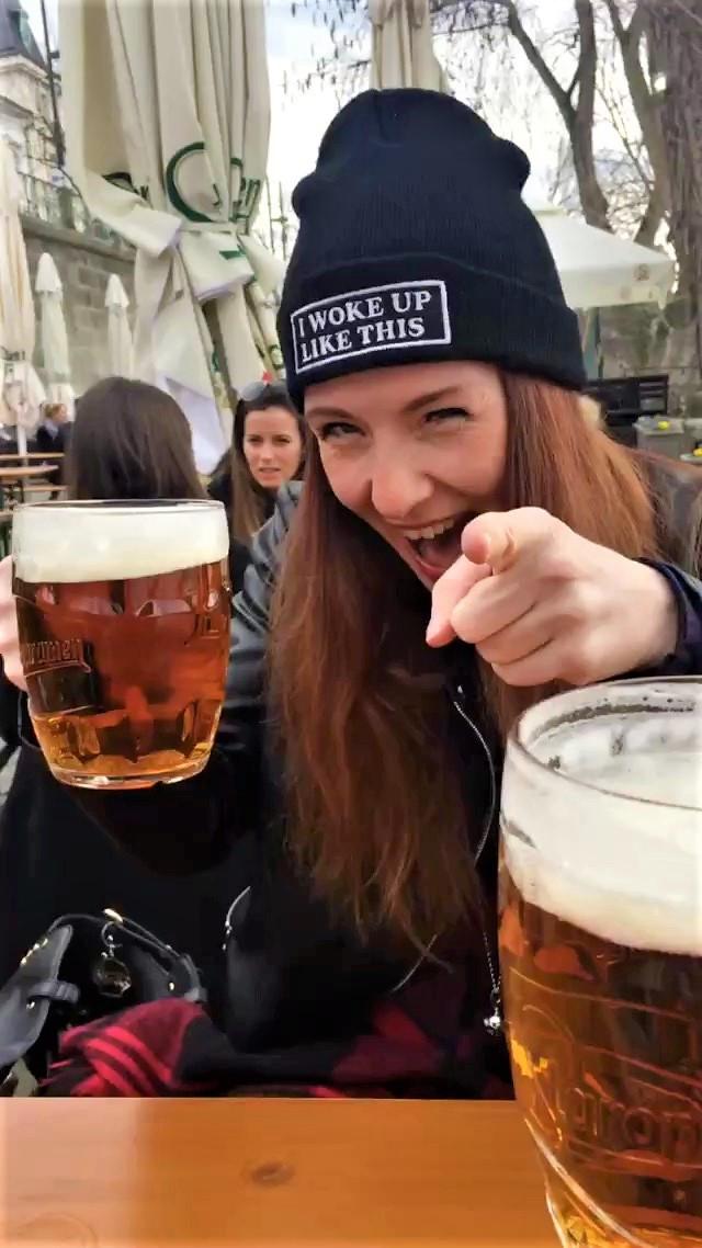1. Bierchen im Biergarten