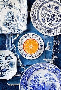 Сочетание джинсы с оранжевым, синий с оранжевым в интерьере