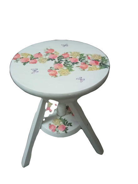 Découpage on Furniture