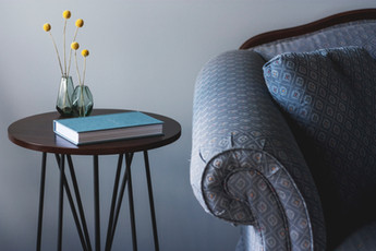 Синий Диван и столик