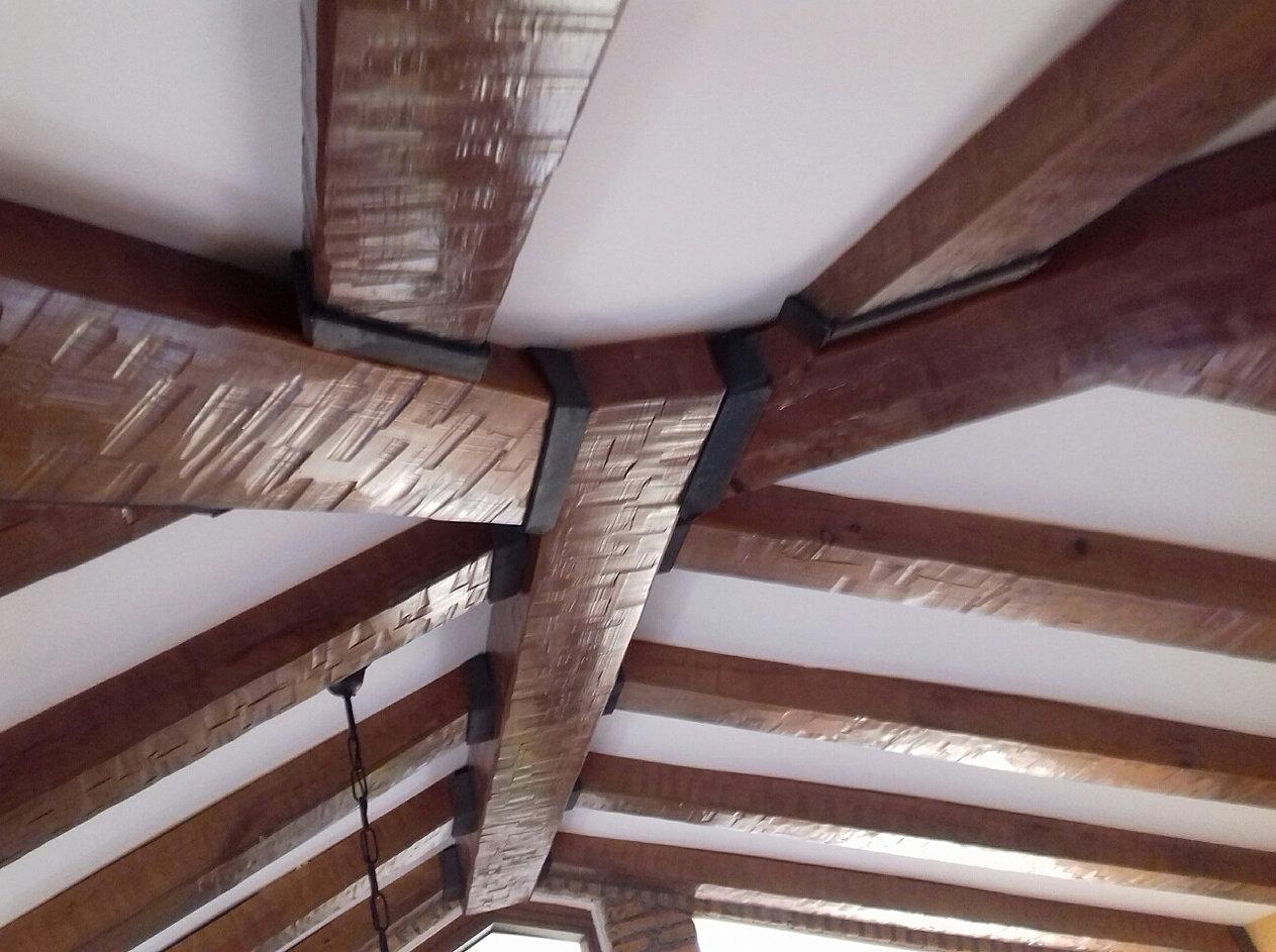 falsas vigas de madera hueca