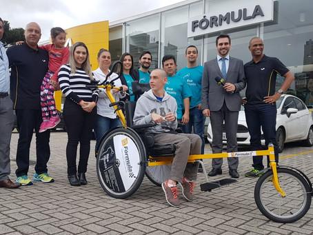 Cadeira de rodas adaptada para corrida