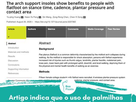 Artigo indica que o uso de palmilhas posturais melhora a marcha em pessoas com pé plano.