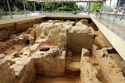 Раскопки-римских-бань-min.jpg