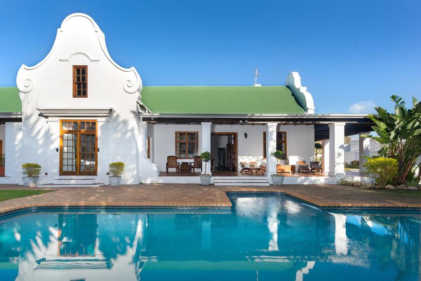 Grand-Residence-Constantia-Cape-Town.jpg