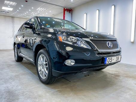Kā ir iespējams uzlabot automašīnas ārējo izskatu BEZ dārgas abrazīvās pulēšanas un keramikas?