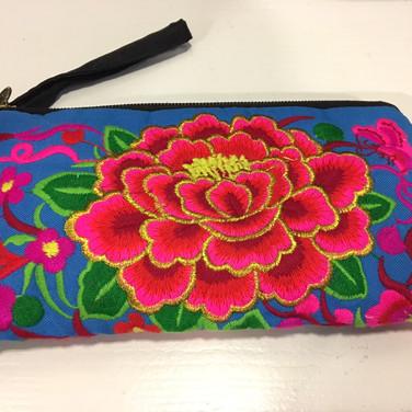 EmbroideryBag10.JPG