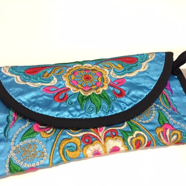 Embroidery wallet25.JPG