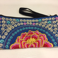 Embroidery wallet34.JPG