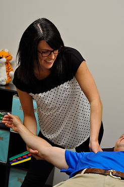 Lethbridge chiropractor helping with back pain, neckpai and sciatica