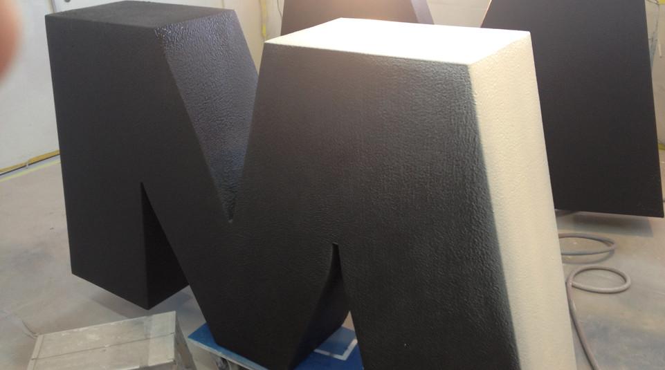 Styroporbeschichtung, Schutz und Farbe