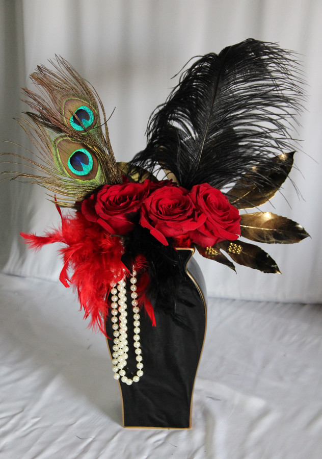 Gatsby Hollywood 1920s Peacock Pearl.JPG