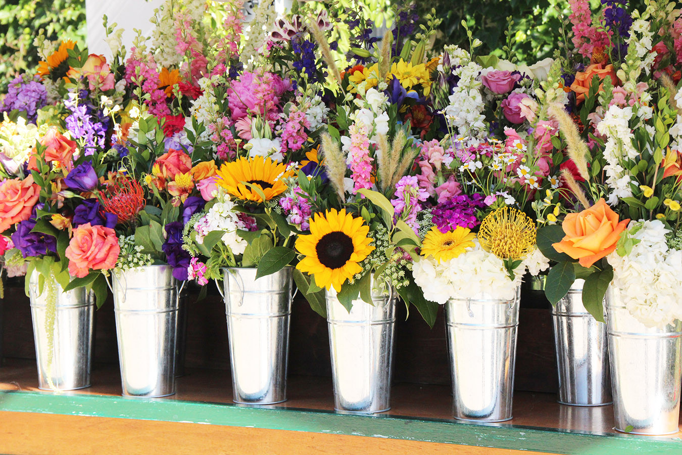 Flower Cart Closeup of Guest Bouquets (1