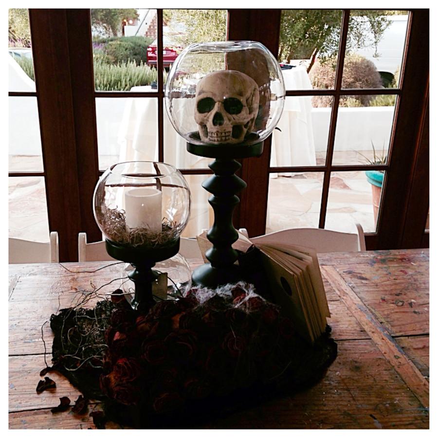 Halloween table 2.jpg