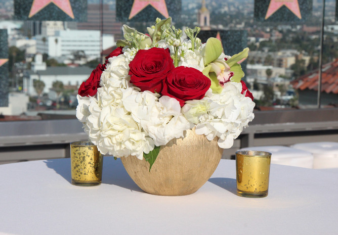 Centerpiece White and Red.jpg