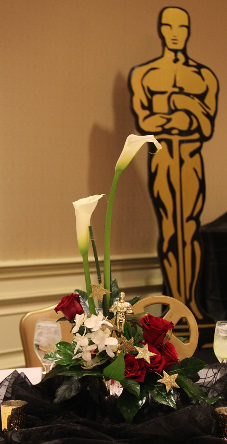 Hollywood Statue Centerpiece and Statue