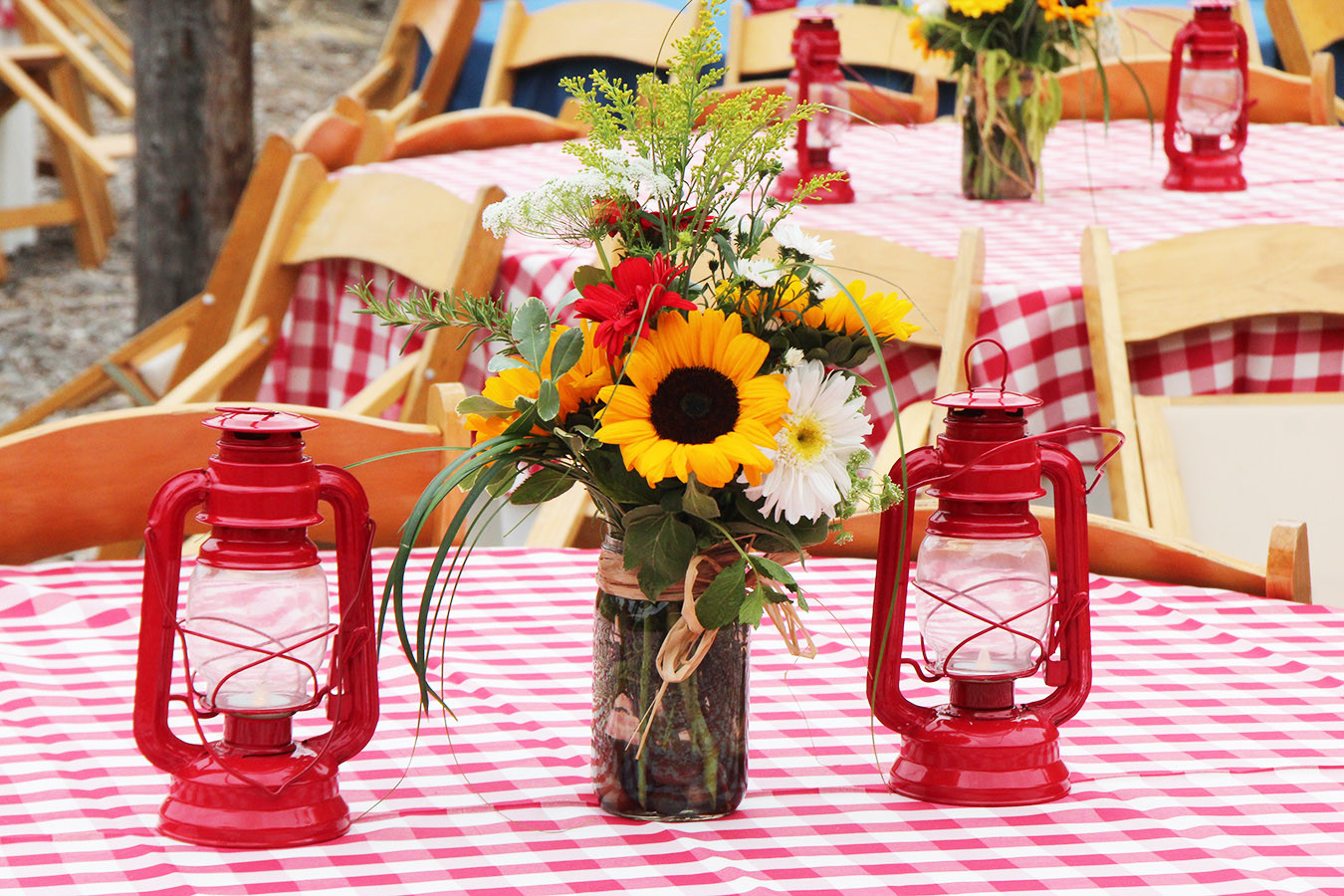 Sunflower Mason Jar w Red Lanterns.jpg