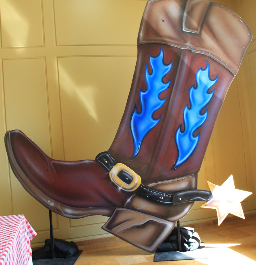 10ft Western Boot (1).JPG