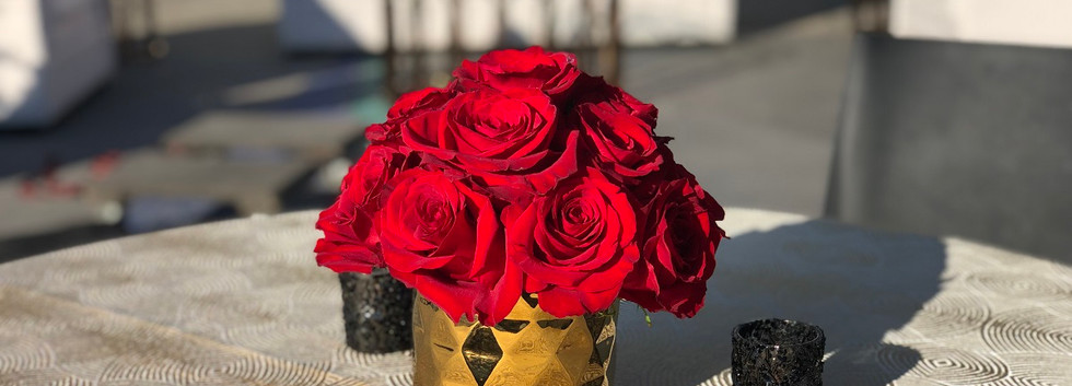 Red Roses in Gold Vases Hollywood (12).j