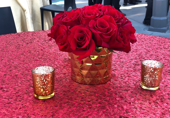 Red Roses in Gold Vases Hollywood (4).jp