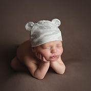 newborn-froggy-pose-utah-photographer-ba