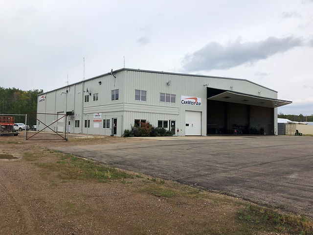 hl hangar.jpg