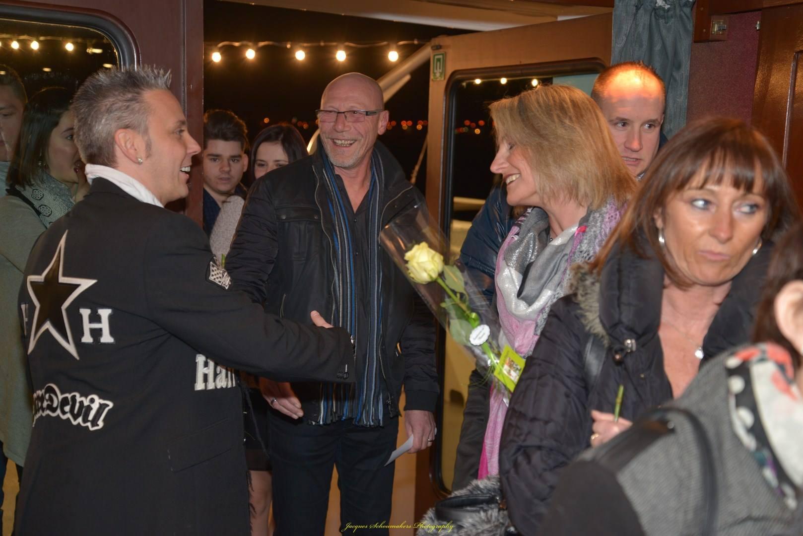pays-de-liege-bateau-croisiere-sebastian-for-elvis-memorial-show-facebook-10