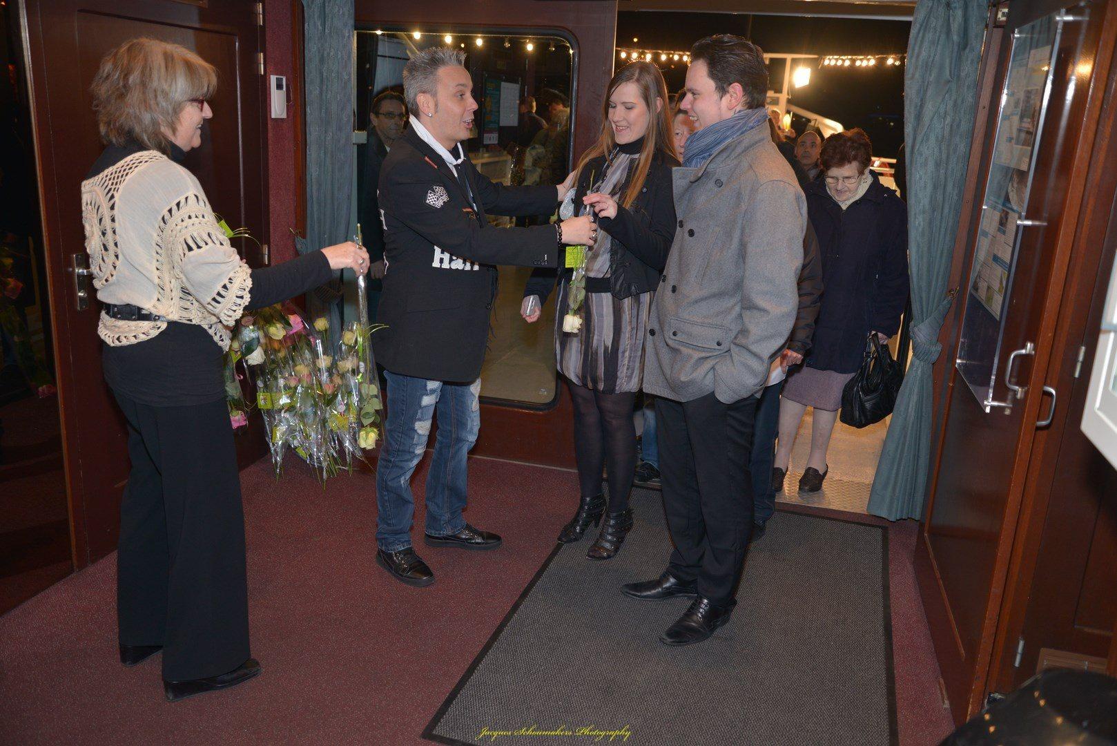 pays-de-liege-bateau-croisiere-sebastian-for-elvis-memorial-show-facebook-07