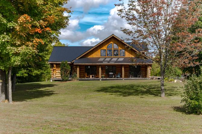 Introducing 273 County Road 7: Cozy Cabin Splendour